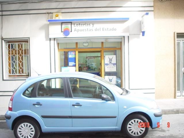 Un acertante de La Bonoloto gana en Elda 108.000 euros