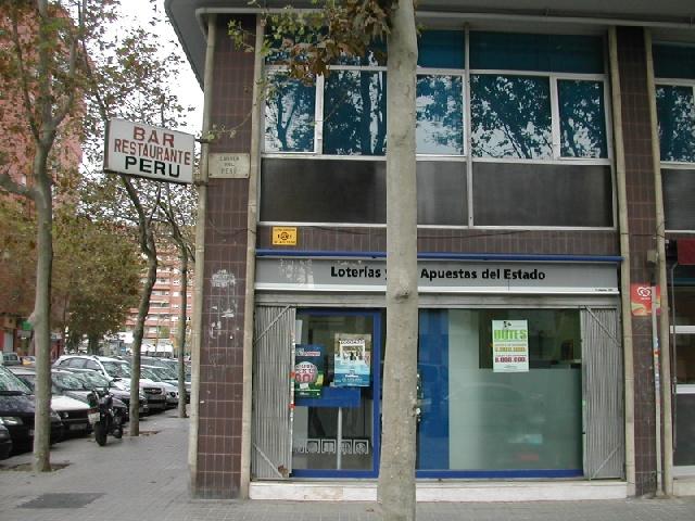 La localidad de Barcelona ha sigo agraciada con el segundo premio de La Bonoloto.