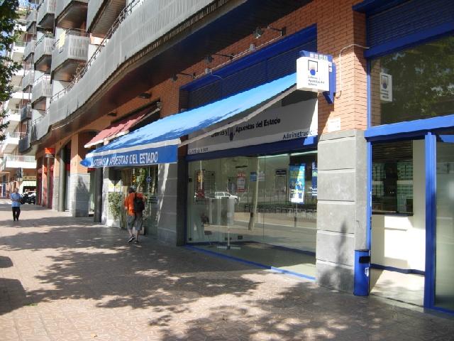 Aterriza en la localidad de Barcelona el segundo premio de La Bonoloto.