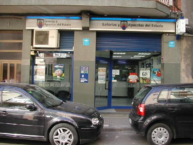 Los residente en Santa Coloma De Gramenet agraciados con el segundo premio de  El Euromillones