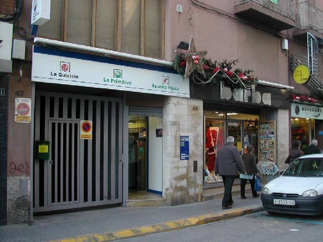 Los residentes en Molins De Rei agraciados en La Bonoloto al caer el segundo premio en Molins De Rei