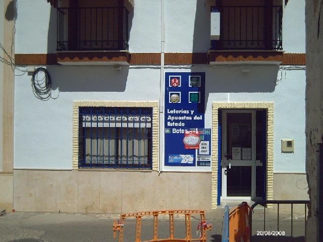 La localidad de La Carlota ha sigo agraciada con el segundo premio de La Bonoloto.