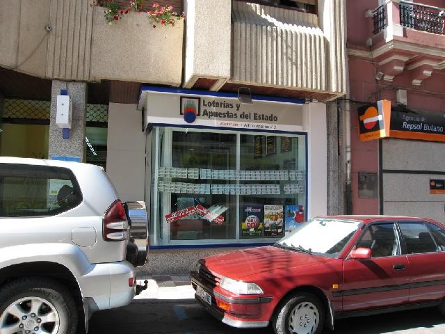Un acertante gana en Carballo  84.000 euros en La Bonoloto