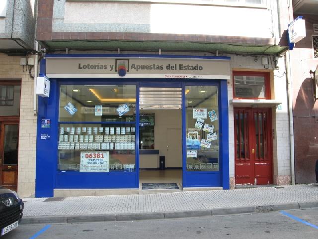 Los carballéses reciben un premio de 1.988.000 euros de  La Bonoloto