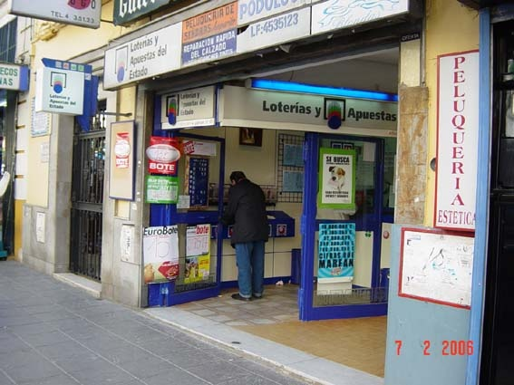 Los hispalenses agraciados en La Bonoloto al caer el segundo premio en Sevilla