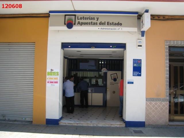 Aterriza en la localidad de Foios el segundo premio de La Bonoloto.