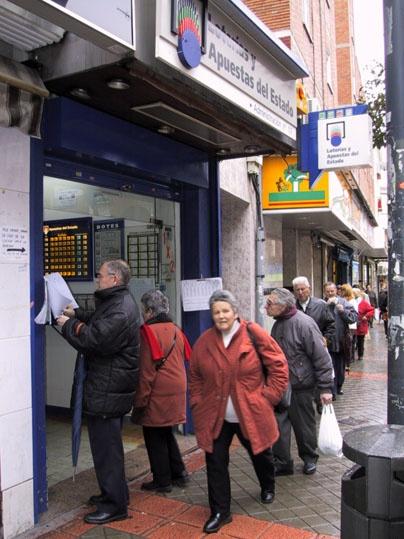 Un acertante de La Bonoloto gana en Madrid 87.000 euros