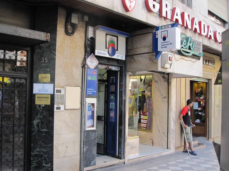 Un acertante gana en Granada  73.000 euros en La Bonoloto
